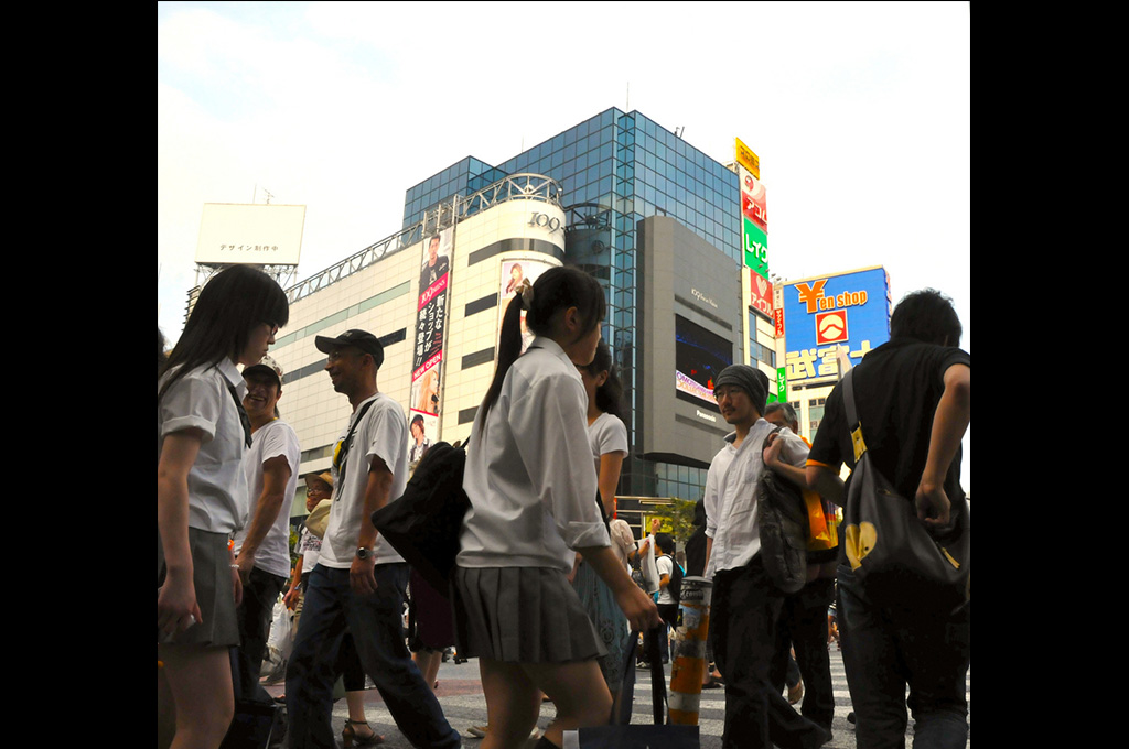 23_Shibuya-crossing-avenue