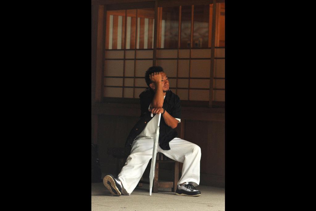 50_Ueno-thinker