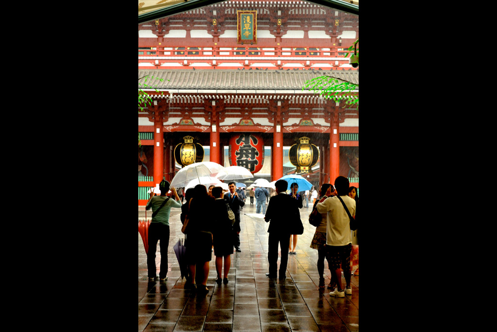 61_Senso-ji-temple-gate