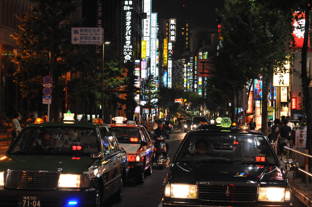 73_Shinjuku by night-1