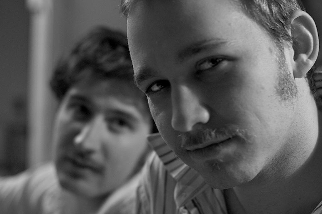 01_moustaches