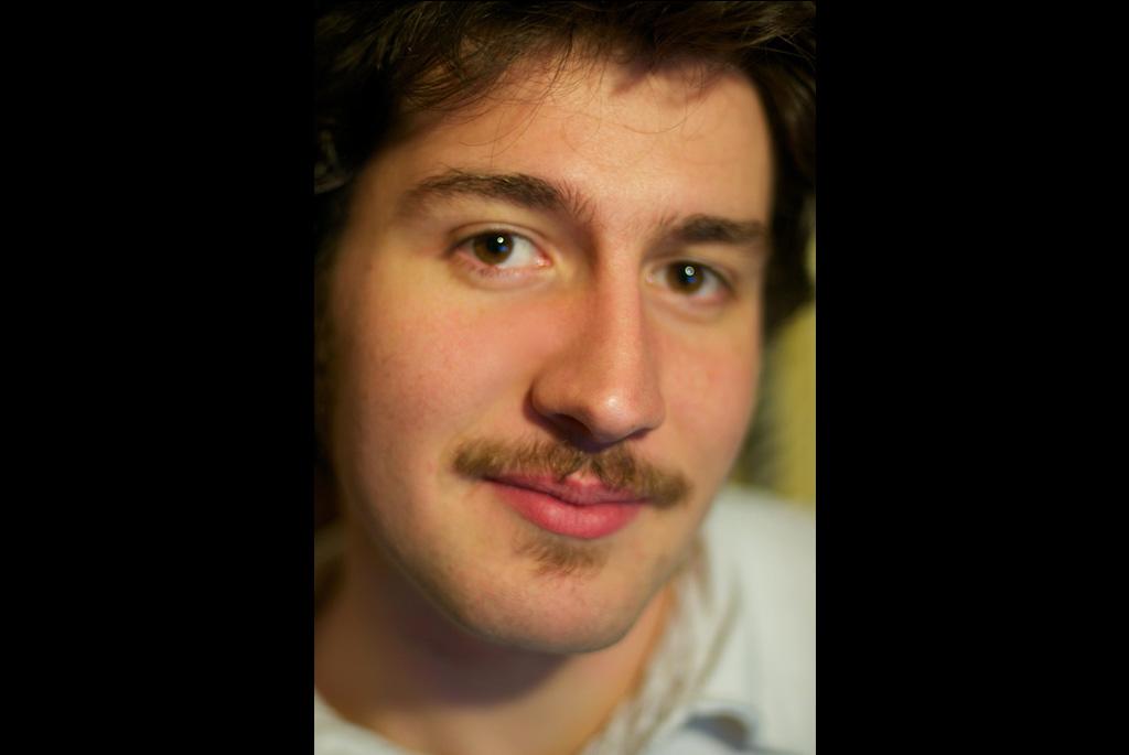 14b_moustaches