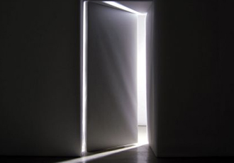 <strong>An opened door</strong>